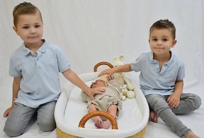 Первая фотосессия с братьями