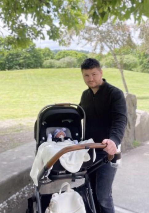 Папа и дочка)